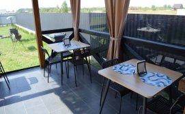 Котдеж Pulmo Rest - тераса біля кухні