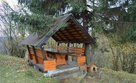 Приватна садиба На гірському схилі - альтанка на подвір'ї