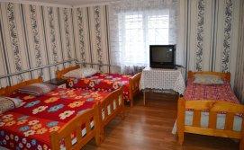 Чотиримісна кімната на другому поверсі