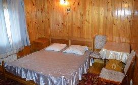 Двомісна кімната апартаментів на 10-15 Приватна садиба У Галі
