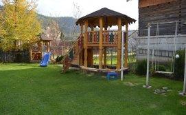 Приватна садиба У Марії під горою - дитячий майданчик