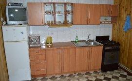Кухня-столова - котедж Обіч