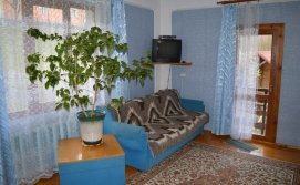 Тримісна кімната на третьому поверсі будинку